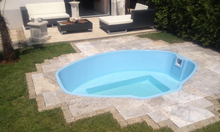 Gfk schwimmbecken vincent minipool 285x230x85 gfk for Garten pool leeren