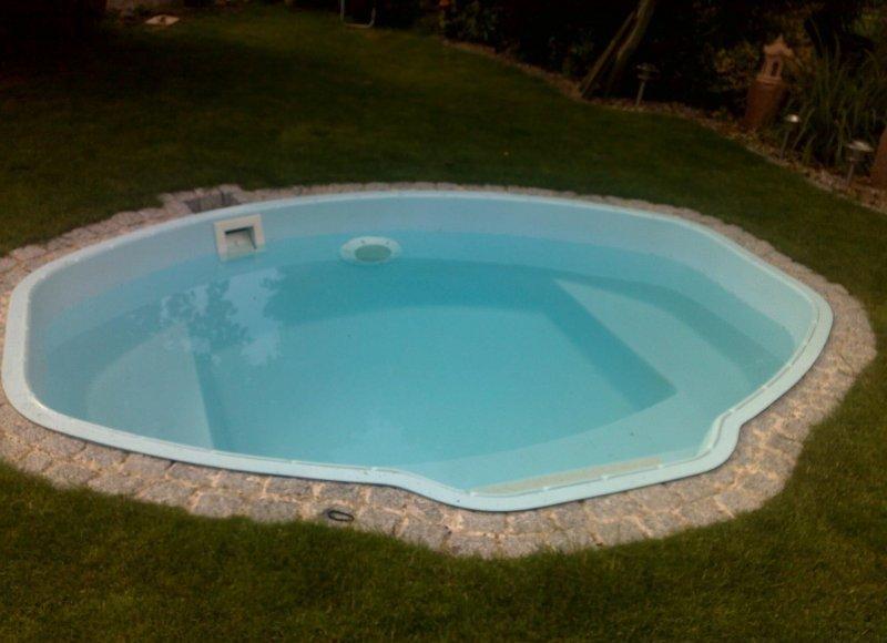 Gfk schwimmbecken vincent gfk pool set inkl w rmepumpe 285 for Einbaupool klein