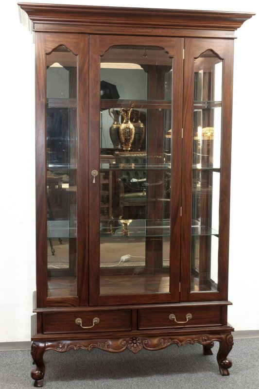 englische chippendale vitrine schrank mahagoni farbe brown walnuss ebay. Black Bedroom Furniture Sets. Home Design Ideas