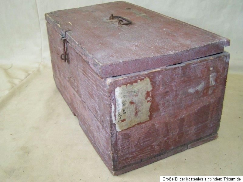 petite antique caisse en bois bois coffre caisse boite. Black Bedroom Furniture Sets. Home Design Ideas