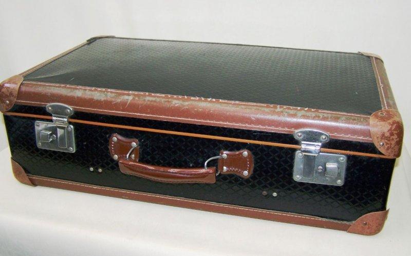 alter koffer reisekoffer 50er jahre leder kult retro. Black Bedroom Furniture Sets. Home Design Ideas