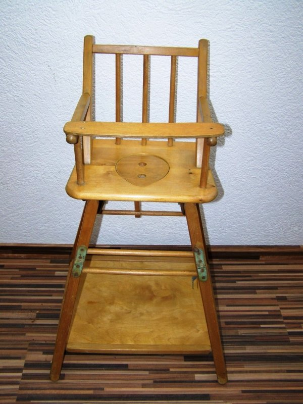 Vecchio seggiolone sedia per bambini legno bambini - Tavolo e sedia per bambini ...