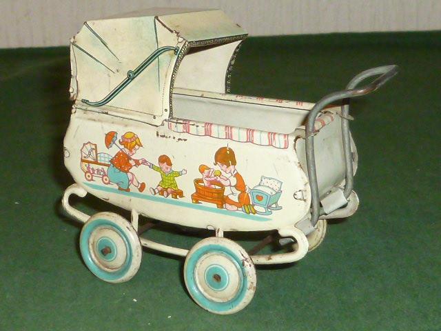alter blechpuppenwagen blechspielzeug puppenwagen kinderwagen puppenstube wagen ebay. Black Bedroom Furniture Sets. Home Design Ideas
