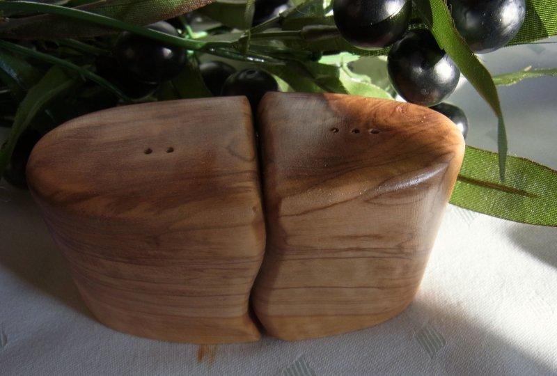 olivenholz pfeffer und salz streuer holz oliven l baum holz 11 x 4 5 x 6 cm ebay. Black Bedroom Furniture Sets. Home Design Ideas