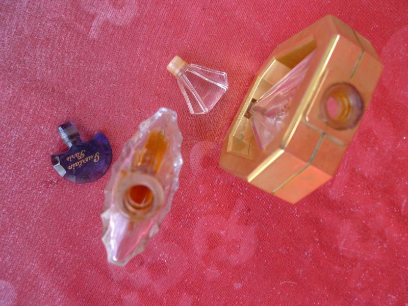 2 sch ne alte flakon parfum flakons paris ebay. Black Bedroom Furniture Sets. Home Design Ideas