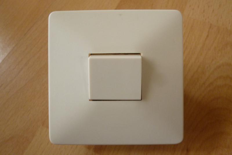 alter lichtschalter kippschalter unterputz wei eckig kunststoff ebay. Black Bedroom Furniture Sets. Home Design Ideas