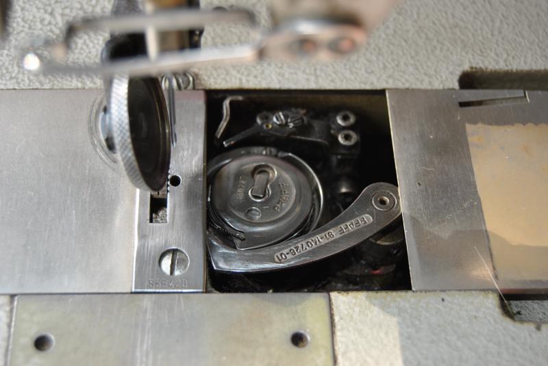 pfaff 543 industrien hmaschine nadeltransport fadenabschneider presserfu automat ebay. Black Bedroom Furniture Sets. Home Design Ideas