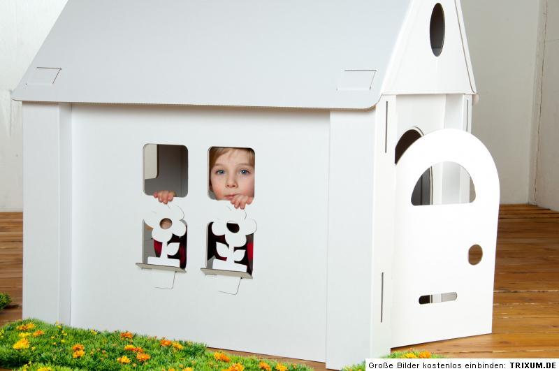 haus aus karton calacasa spielhaus burg kartonbausatz. Black Bedroom Furniture Sets. Home Design Ideas