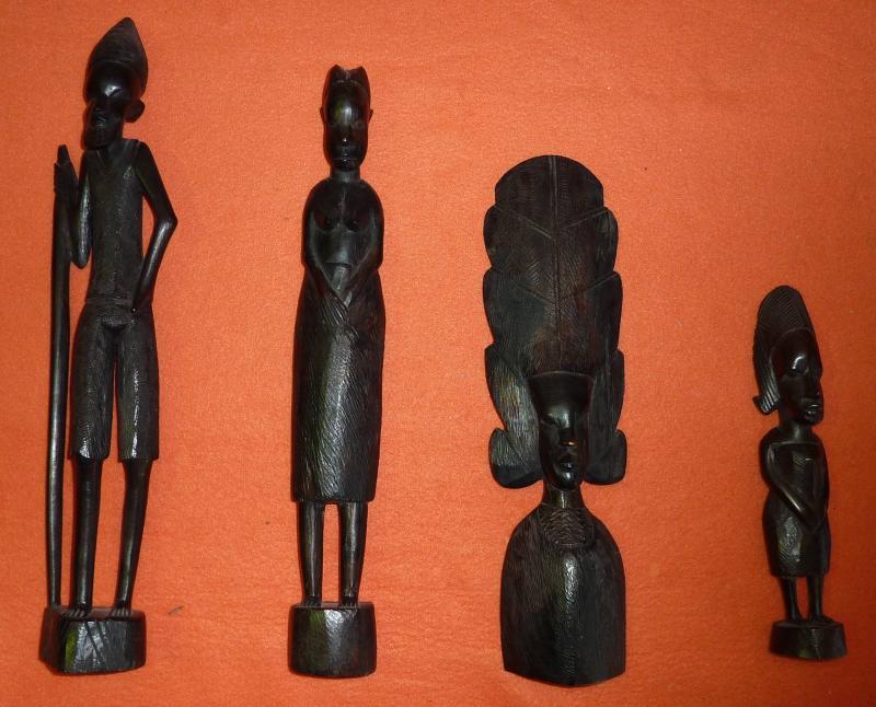 3 afrikanische figuren aus holz 21 cm bis 37 5 cm afrika holzfiguren ebay. Black Bedroom Furniture Sets. Home Design Ideas
