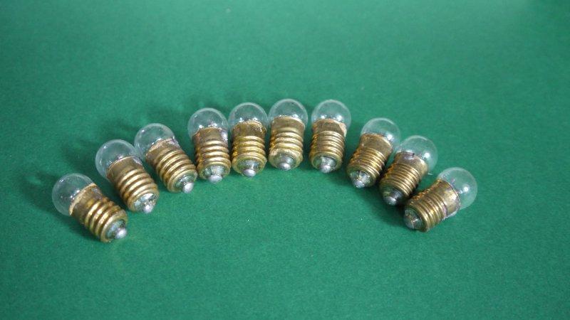 25 Taschenlampenbirnen Ersatzbirnen Zwergenbirnen 3,8V 0,07A DDR E10 Glühbirnen