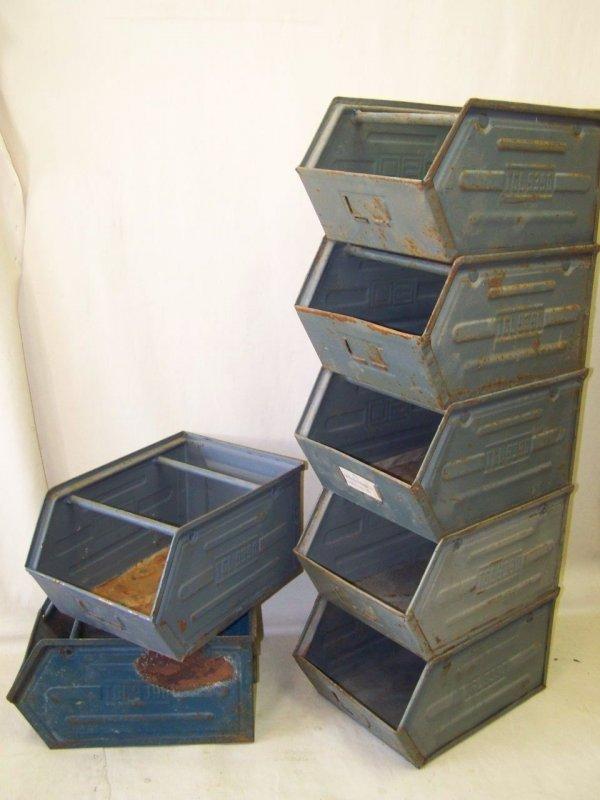 alte lagerkiste metall industriedesign regal loft design metallkiste stapelbox ebay. Black Bedroom Furniture Sets. Home Design Ideas