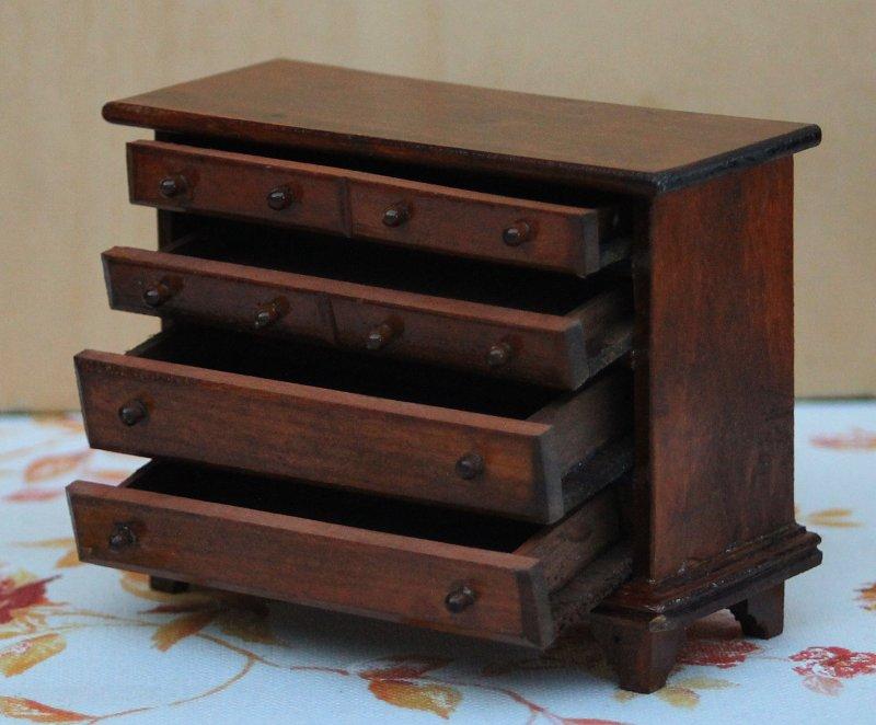 puppenstube kommode holz mit 4 schubladen 70er jahre nr 6 ebay. Black Bedroom Furniture Sets. Home Design Ideas