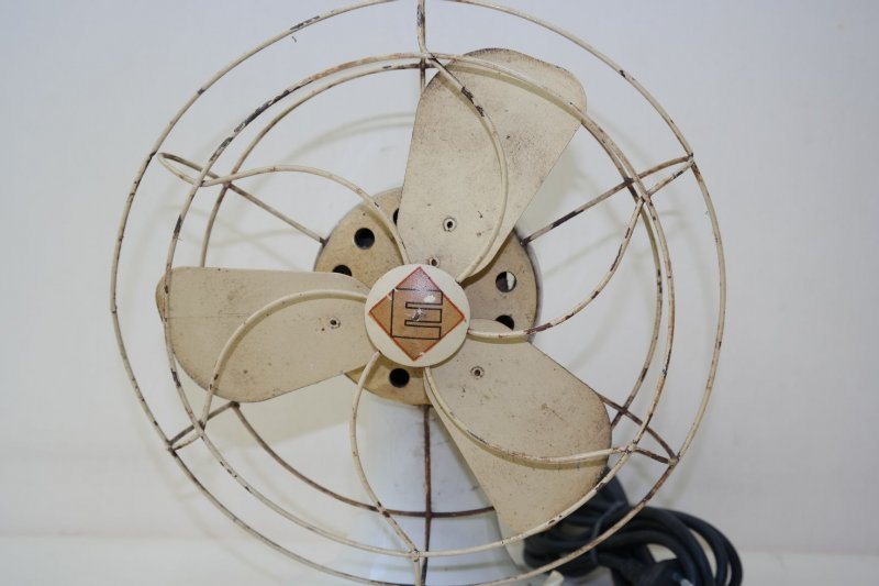 sch ner alter ventilator porzellan geh use art deco bauhaus design l fter ebay. Black Bedroom Furniture Sets. Home Design Ideas
