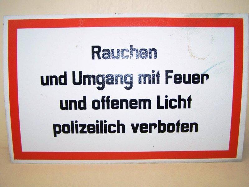 DDR Schild Rauchen
